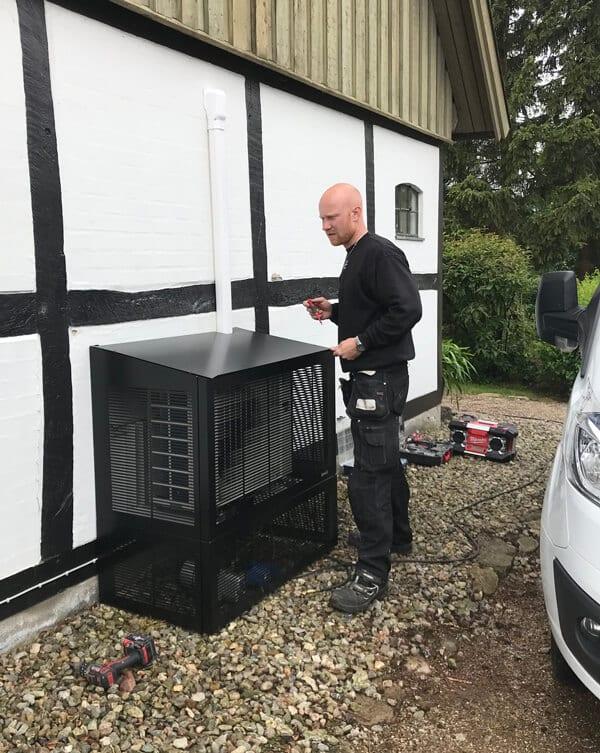 montering luft vand varmepumpe